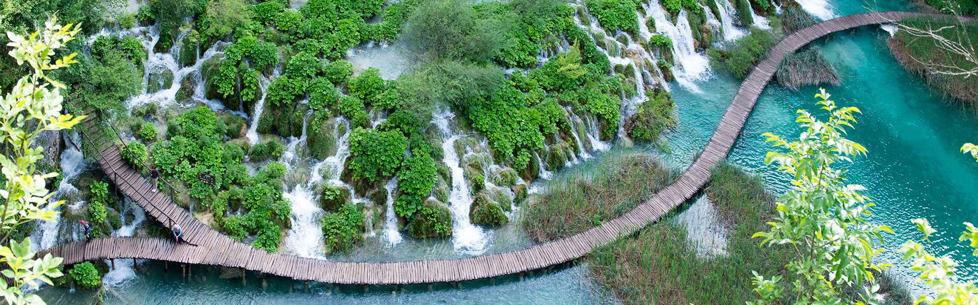 Lávka mezi jezery Kaluderovac a Gavanovac